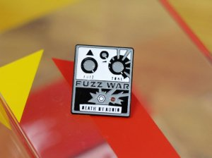 画像1: Death By Audio  FUZZ WAR ENAMEL PIN